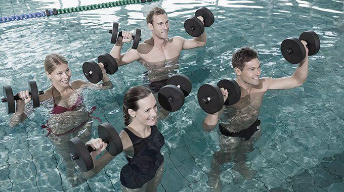 San-Marco-Wellness-iCLUB-News-vieni-in-piscina-San-Marco-Wellness-iCLUB-e-brucia-calorie
